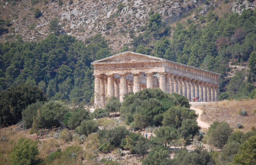 Alla scoperta di Segesta